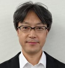 内田 康博
